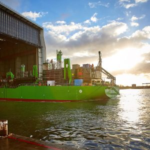 Safe Fueling of LNG for Green Dredgers